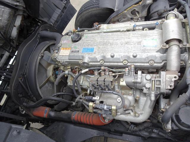 ディーゼルターボ 6MT・3ペダル