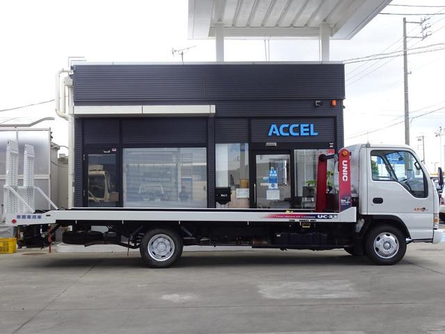 積載車 キャリアカー 最大積載2t ユニックUC-33ERR 荷台長さ572cm・幅205cm ラジコン付き 荷台ウインチ 6MT・3ペダル セーフティーローダー NOx・PM適合(10枚目)
