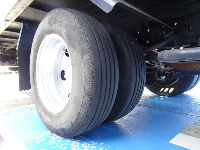 積載車 キャリアカー 最大積載2t ユニックUC-33ERR 荷台長さ572cm・幅205cm ラジコン付き 荷台ウインチ 6MT・3ペダル セーフティーローダー NOx・PM適合(60枚目)