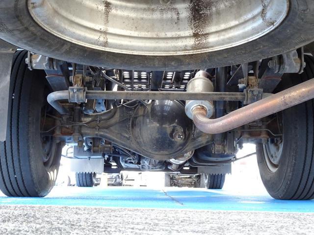 積載車 キャリアカー 最大積載2t ユニックUC-33ERR 荷台長さ572cm・幅205cm ラジコン付き 荷台ウインチ 6MT・3ペダル セーフティーローダー NOx・PM適合(65枚目)