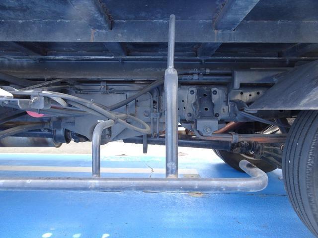 積載車 キャリアカー 最大積載2t ユニックUC-33ERR 荷台長さ572cm・幅205cm ラジコン付き 荷台ウインチ 6MT・3ペダル セーフティーローダー NOx・PM適合(70枚目)