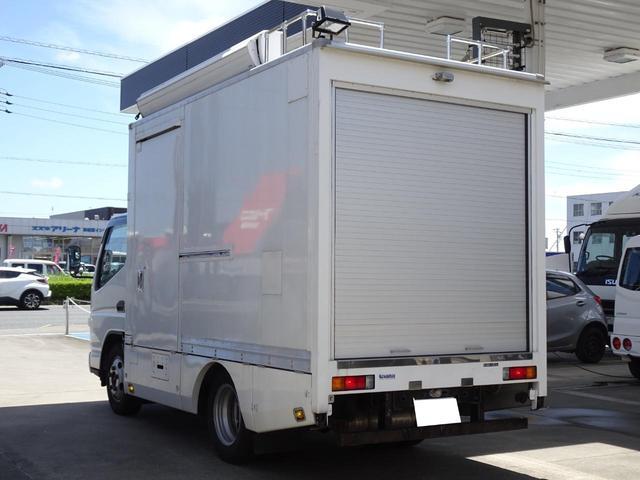 パネルバン フルタイム4WD 積載1,850Kg 1ナンバー AT車 原動機4M50 ディーゼルターボ 左サイドドア リア電動シャッタードア サイドオーニング 換気扇 ホンダガソリン発電機(10枚目)