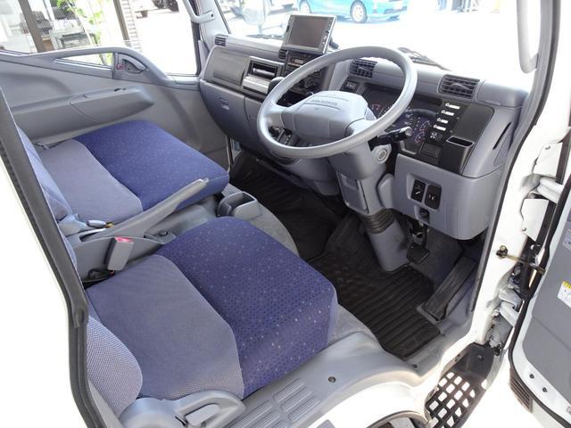 パネルバン フルタイム4WD 積載1,850Kg 1ナンバー AT車 原動機4M50 ディーゼルターボ 左サイドドア リア電動シャッタードア サイドオーニング 換気扇 ホンダガソリン発電機(32枚目)
