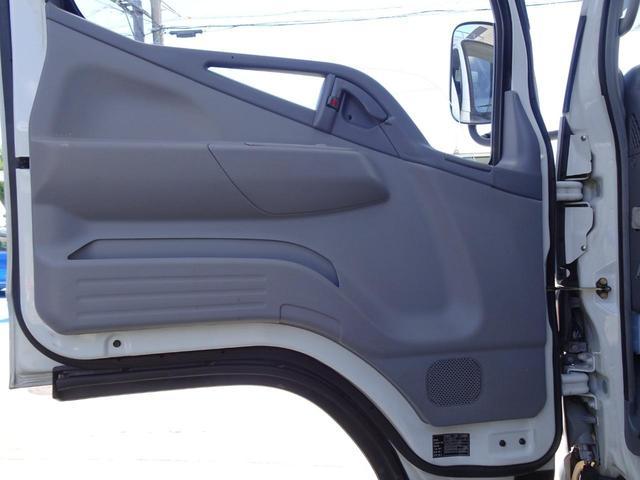 パネルバン フルタイム4WD 積載1,850Kg 1ナンバー AT車 原動機4M50 ディーゼルターボ 左サイドドア リア電動シャッタードア サイドオーニング 換気扇 ホンダガソリン発電機(43枚目)