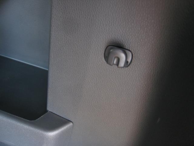 G-T ターボ 両側電動スライドD スマートアシスト2 純ナビフルセグTVガイドバックカメラ 埋込ETC シートヒータ クルーズコントロール ブルートゥース DVD SD CD録音 スマートキー 女性1オーナ(47枚目)