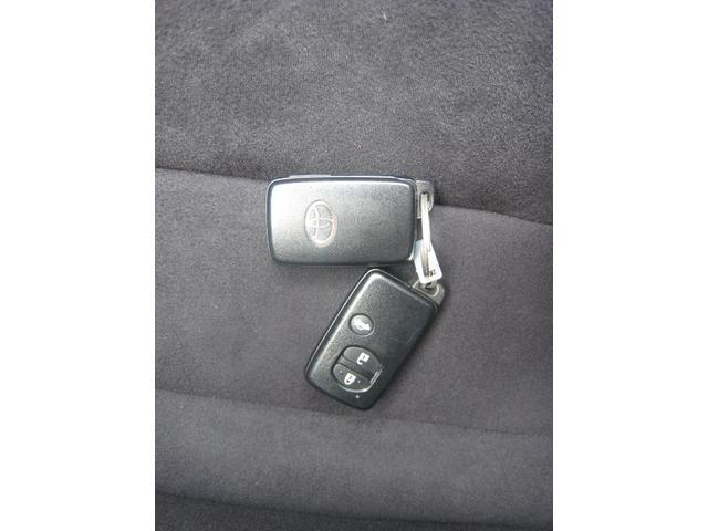 「GT」ですのでスマートキー!2個有って共用する際などに便利です!トランクオープンリモコン付!イモビライザー(盗難防止装置)付!