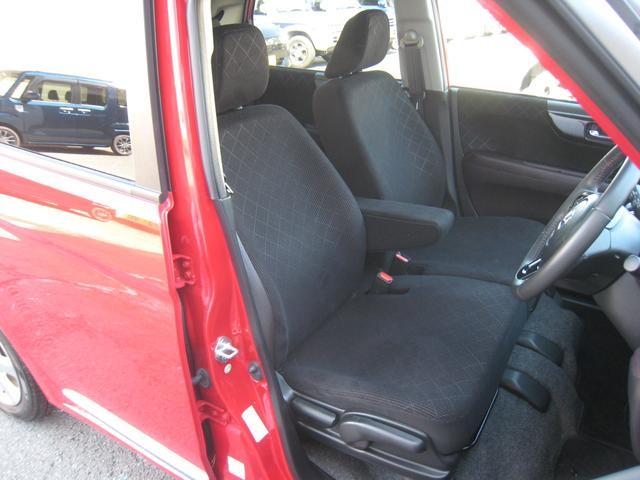 「プレミアム」ですので内装はブラック/ブラウン&ブラックベンチシート&革巻ハンドル!「アレルクリーンシート」!センターアームレスト!運転席高さ調整機能!禁煙!きれい!