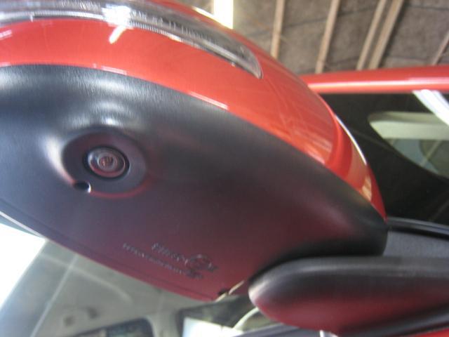 「G セーフティパッケージ」の「マルチアラウンドビューモニター」のサイドカメラがドアミラーの下にございます!