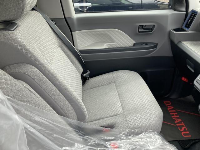 Xセレクション 360度スーパーUVIRカットガラス 格納式シートバックテーブル シートバックポケット 運転席シートリフター チルトステアリング シートヒーター リヤヒーターダクト(18枚目)