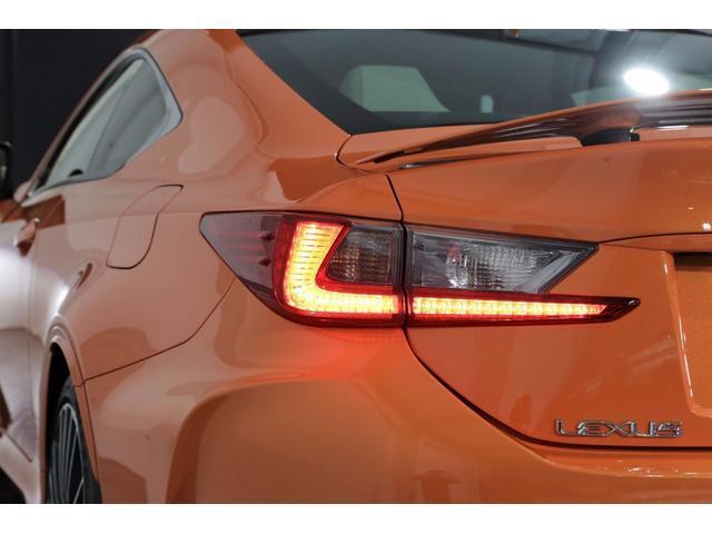 レクサス RC F ベースグレード 白革ハイバック OP19AW 三眼LED