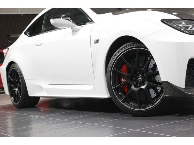 パフォーマンスパッケージ カーボンリアウイング チタンマフラー カーボンセラミックブレーキ 走行1750KM(31枚目)