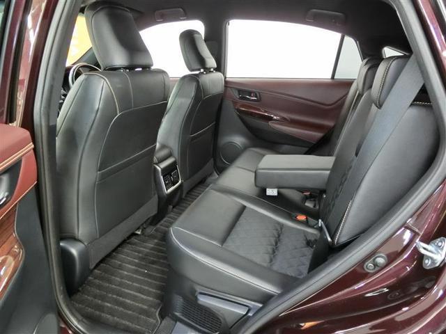 プレミアム ハイブリッド ワンオーナー 4WD 電動シート 安全装備 横滑り防止機能 ABS エアバッグ オートクルーズコントロール 盗難防止装置 バックカメラ ETC ミュージックプレイヤー接続可 CD(6枚目)