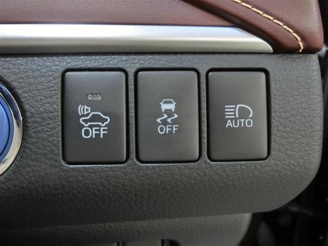 プレミアム ハイブリッド ワンオーナー 4WD 電動シート 安全装備 横滑り防止機能 ABS エアバッグ オートクルーズコントロール 盗難防止装置 バックカメラ ETC ミュージックプレイヤー接続可 CD(19枚目)