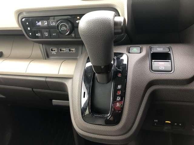 Lホンダセンシング 8インチNAVI Bluetooh ドラレコ USB フルセグ ETC クルコン LED クリアランスソナー シートヒーター 禁煙車 ワンオーナー スマートキー アイドリングストップ 盗難防止装置(17枚目)