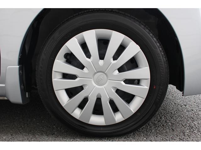 タイヤサイズは、155/65R14です。