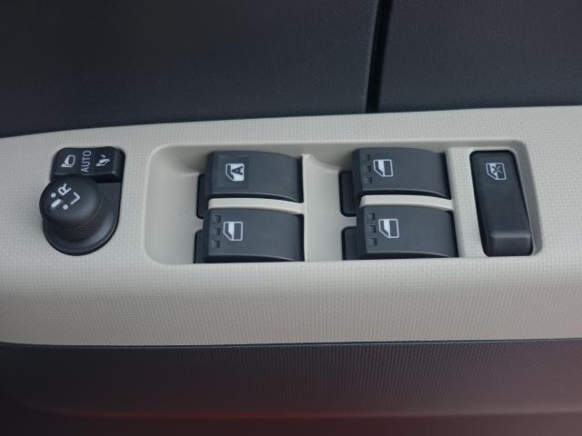 X SAIII /LEDヘッドライト/プッシュスタート/スマートキー/エアコン/USBポート/バックカメラ/ディーラー試乗車(14枚目)