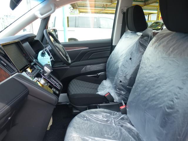 G パワーパッケージ /4WD/8人乗り/ナビ取付パッケージII/両側パワースライドドア/LEDヘッドライト/ステアリングリモコン/全方位カメラモニター/登録済み未使用車(6枚目)