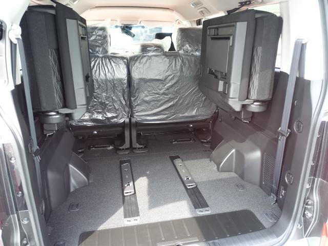 G パワーパッケージ /4WD/8人乗り/ナビ取付パッケージII/両側パワースライドドア/LEDヘッドライト/ステアリングリモコン/全方位カメラモニター/登録済み未使用車(9枚目)