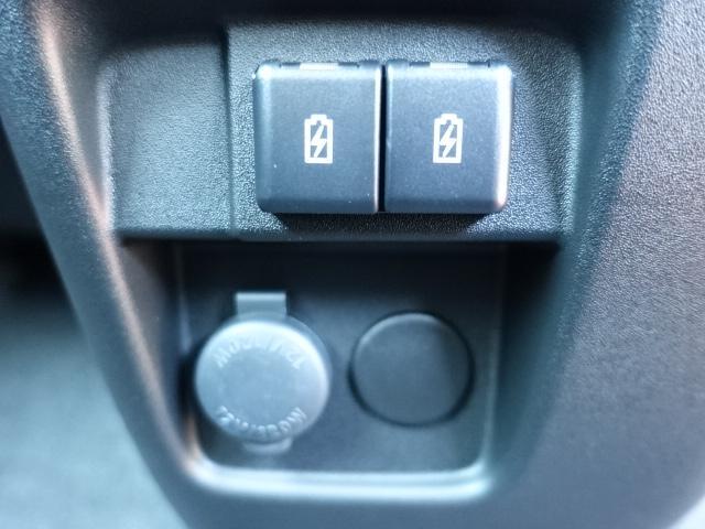 ハイブリッドGS /片側パワースライドドア/衝突被害軽減ブレーキ/スマートキー/オートクルーズコントロール/シートヒーター/USB充電/LEDヘッドライト/フォグランプ/アルミホイール/オートエアコン/届出済未使用車(17枚目)