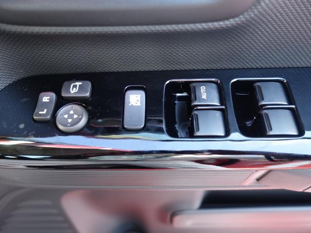 ハイブリッドXS /全方位/両側パワースライドドア/サーキューレター/LEDヘッドランプ&フォグランプ/ハーフレザー/オートエアコン/専用アルミホイール/プッシュスタート/衝突被害軽減ブレーキサポート/届出済未使用車(19枚目)
