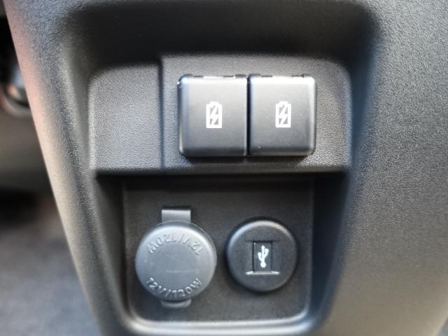 ハイブリッドXS /全方位/両側パワースライドドア/サーキューレター/LEDヘッドランプ&フォグランプ/ハーフレザー/オートエアコン/専用アルミホイール/プッシュスタート/衝突被害軽減ブレーキサポート/届出済未使用車(27枚目)