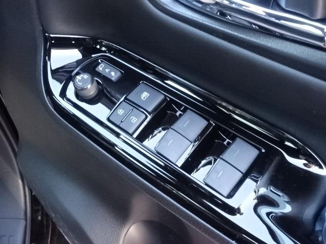 ZS 煌III /両側パワースライドドア/LEDヘッドライト&フォグ/メッキドアミラー/7人乗り/専用アルミホイール/プッシュスタート/スマートキー/オートエアコン/革巻きハンドル/登録済み未使用車(23枚目)
