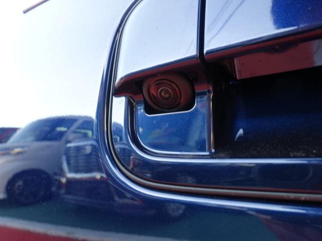 モード /衝突被害軽減ブレーキ/全方位カメラ/HIDヘッドライト/スマートキー/専用フロアマット/オートエアコン/シートヒーター/革巻きハンドル/ステアリングスイッチ/アイドリングストップ/届出済未使用車(9枚目)
