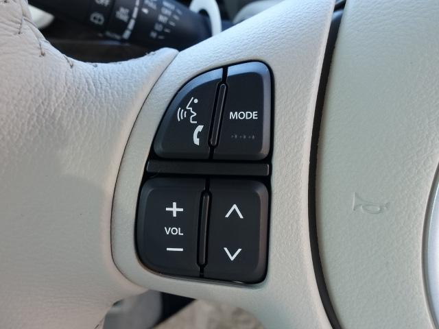 モード /衝突被害軽減ブレーキ/全方位カメラ/HIDヘッドライト/スマートキー/専用フロアマット/オートエアコン/シートヒーター/革巻きハンドル/ステアリングスイッチ/アイドリングストップ/届出済未使用車(16枚目)