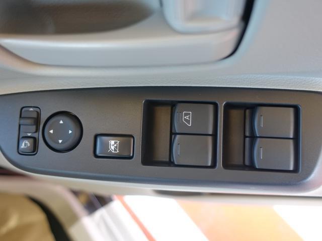 S /両側スライドドア/キーレス/エアコン/オートライト/アイドリングストップ/衝突被害軽減ブレーキサポート/届出済未使用車(11枚目)
