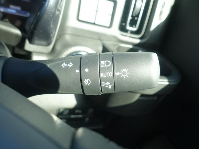 Jスタイル /LEDヘッドライト&フォグ/ボンネットエンブレム/ルーフレール/アルミホイール/衝突被害軽減ブレーキサポート/スマートキー/シートヒーター/オートエアコン/リモート格納ドアミラー/届出済未使用車(19枚目)