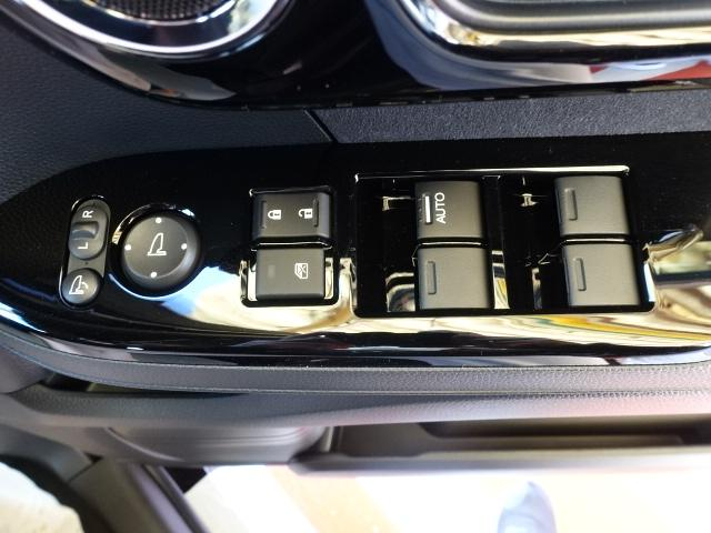 L /衝突被害軽減ブレーキ/スマートキー/電動スライドドア/バックカメラ/LEDヘッドライト/オートエアコン/クルーズコントロール/ステアリングスイッチ/プッシュスタート/充電用USB/届出済未使用(18枚目)