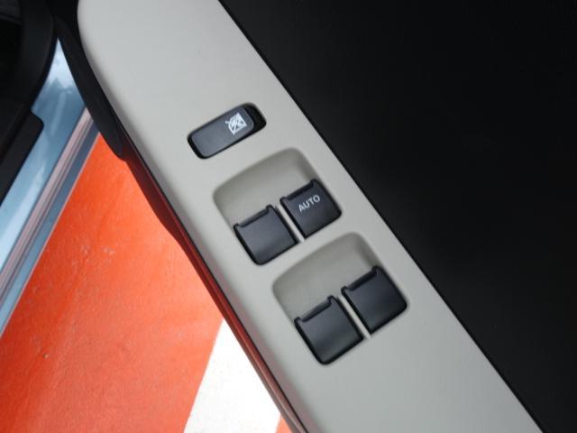 L /衝突軽減ブレーキ/キーレス/パワステ/エアコン/純正CDデッキ/シートヒーター/エネチャージ/アイドリングストップ/前後パワーウィンドウ/ディーラー試乗車(12枚目)