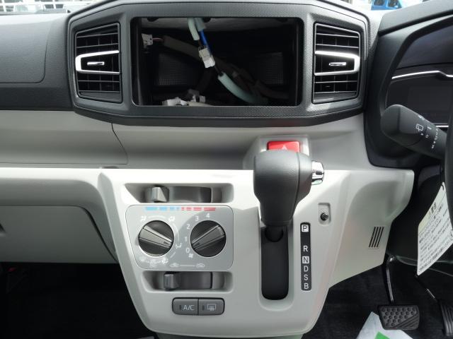 X リミテッドSAIII /LEDヘッドライト/キーレス/バックカメラ/電動格納ミラー/衝突被害軽減ブレーキ/エアコン/ABS/届出済未使用車(17枚目)