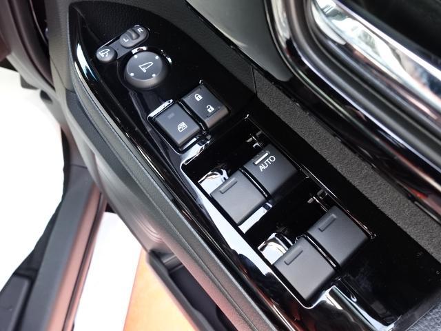 Lターボ /衝突被害軽減ブレーキ/スマートキー/両側電動スライドドア/バックカメラ/LEDヘッドライト/オートエアコン/クルーズコントロール/ステアリングスイッチ/プッシュスタート/充電用USB/届出済未使用(18枚目)