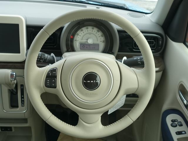 モード /衝突被害軽減ブレーキ/HIDヘッドライト/スマートキー/専用フロアマット/オートエアコン/シートヒーター/革巻きハンドル/ステアリングスイッチ/アイドリングストップ/届出済未使用車(9枚目)