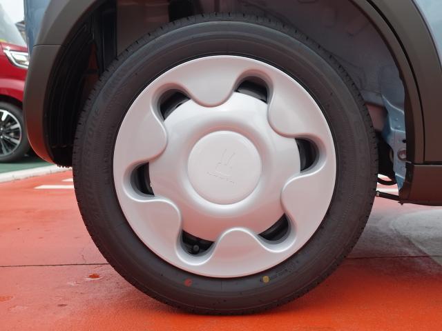 モード /衝突被害軽減ブレーキ/HIDヘッドライト/スマートキー/専用フロアマット/オートエアコン/シートヒーター/革巻きハンドル/ステアリングスイッチ/アイドリングストップ/届出済未使用車(13枚目)