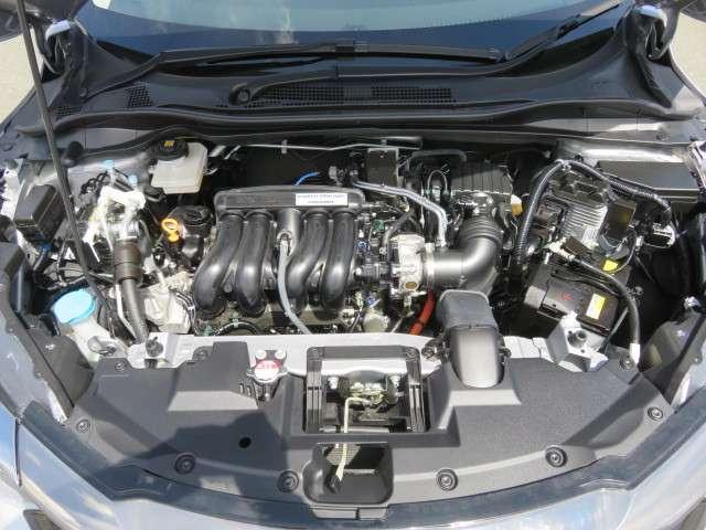 ハイブリッドZ・ホンダセンシング 純正メモリーナビ フルセグTV Bluetooth接続 リアカメラ ETC HondaSENSING サイドカーテンエアバック アルミホイール シートヒーター 禁煙車 ワンオーナー(20枚目)