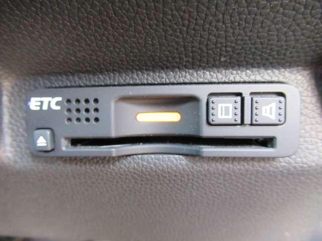 ハイブリッドEX 純正9インチナビ フルセグTV DVD再生 Bluetooth接続 リアカメラ HondaSENSING サイドカーテンエアバック LEDヘッドライト 両側電動スライドドア ETC ワンオーナー(17枚目)