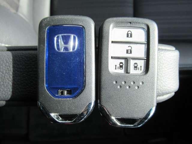 ハイブリッドEX 純正9インチナビ フルセグTV DVD再生 Bluetooth接続 リアカメラ HondaSENSING サイドカーテンエアバック LEDヘッドライト 両側電動スライドドア ETC ワンオーナー(19枚目)