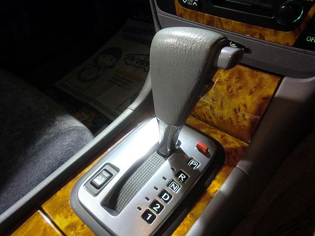 日産 グロリア 250T ナビ オートライト トランクイージークローザー