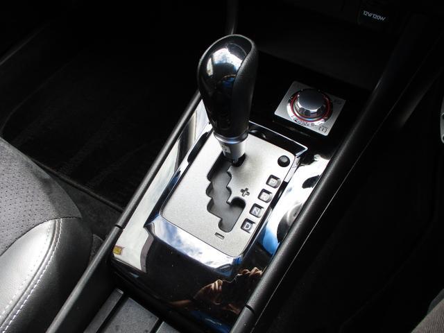 2.5iアイサイト Lパッケージ 純正SDナビ フルセグTV CD DVD再生 Bluetooth接続 ETC バックカメラ HIDオートヘッドライト パドルシフト MTモード クルコン 純正マット 純正17インチAW スマートキー(24枚目)