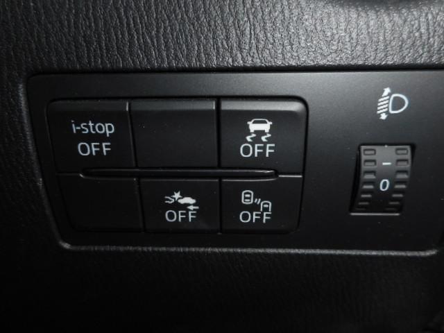 衝突軽減ブレーキ等の安全装備が充実しています。