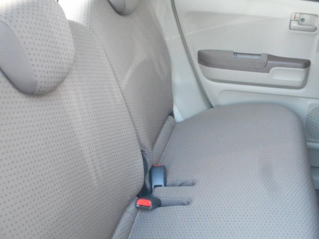 車輌入庫時に全車リフトアップを行い下回りを検査しております。