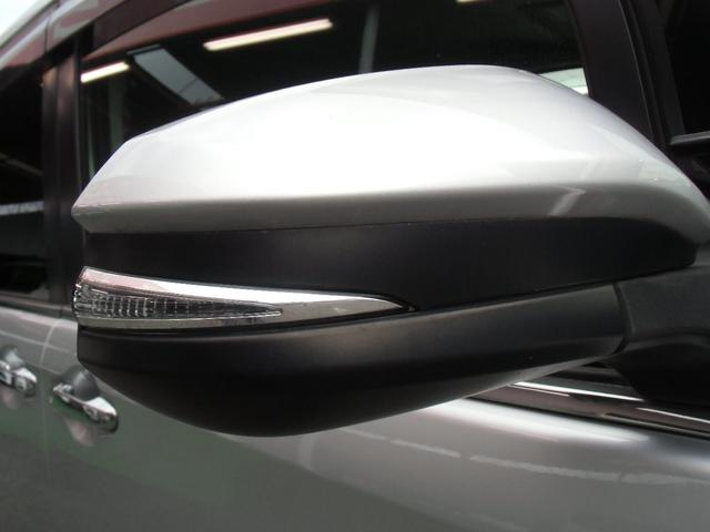 Xi 8名乗車 スマートキー デュアルオートエアコン ステアリングスイッチ 左側パワースライドドア ビルトインETC 純正ナビ フルセグTV バックカメラ Bluetooth接続(28枚目)