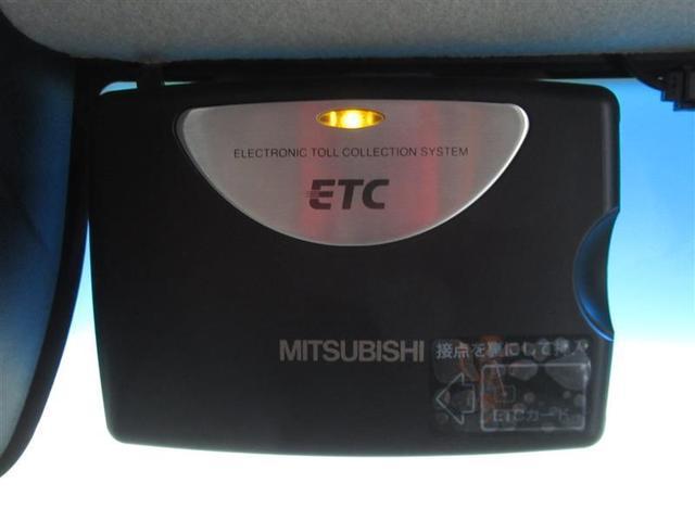 G SSパッケージ ワンオーナー 安全装備 衝突被害軽減システム 横滑り防止機能 ABS エアバッグ 盗難防止装置 アイドリングストップ ETC CD スマートキー キーレス フル装備 両側電動スライド フルエアロ(18枚目)