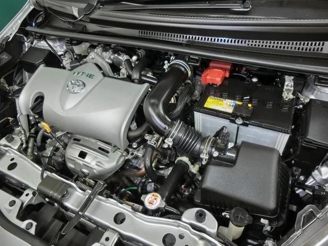 低燃費で滑らかな走りのエンジンを搭載します