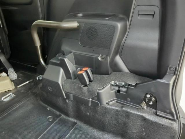 G クルマイスシヨウ 車椅子仕様タイプI スロープタイプ 車高調整機能 助手席側セカンドシート付き 純正メモリーナビ ETC スマートキー 純正アルミホイール アイドリングストップ ワンオーナー(16枚目)