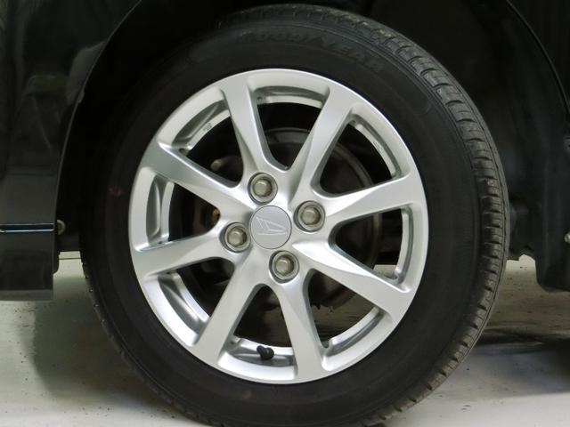 タイヤは4本とも新品に交換します