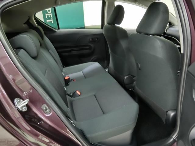 従来の同クラスよりも座面を長くしより良い座り心地を実現。追突された際には、ヘッドレストとシート全体で乗員を受け止めむち打ち障害を軽減する安全にも配慮してます