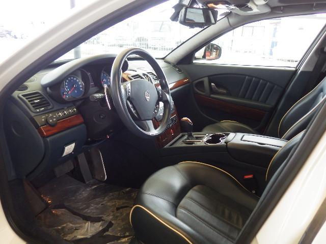 マセラティ マセラティ クアトロポルテ S ブルーレザー サンルーフ GTS20インチアルミ